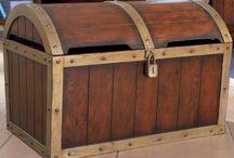 Treasure pirate chest