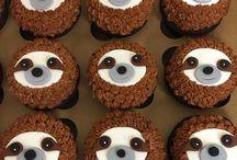 Sloth cupcake