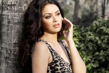 Maryam Zakaria / Maryam Zakaria is a Swedish-Iranian actress with Swedish nationality, working in Bollywood and South Indian Cinema. She is best known for her work in Bollywood films such as Agent Vinod (2012 film), and the adult comedy Grand Masti.