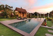 Villa Sebelah / #ModernVilla bergaya #RumahJoglo