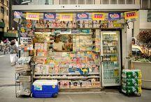 news stand / kiosk z gazetami