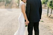 Φωτογραφία Γάμου: 15 Ρομαντικές Ιδέες Φωτογράφισης / Ναι - είστε ερωτευμένες και ζείτε την κάθε στιγμή σαν να είστε σε παραμύθι...Αν αισθάνεστε έτσι, βρείτε παρακάτω ιδέες για να εμπνευστείτε στις φωτογραφίσεις του γάμου σας! Από το www.vresfotografo.com