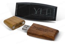 Wooden Packaging & USB Flash Drives for Photographers / Wood packaging for Prints, albums, Mats as well as Wood USB flash drives - custom engraving or imprinting included - No Minimums. www.photoflashdrive.com