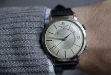 アラーム腕時計