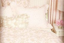 Textile Therapy / Bedding + fabrics + window dressing