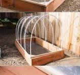 zahrada a garáž