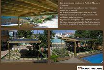 Instalación de pérgola de pino hidrófugo, jardineras y tarima de madera natural en la piscina