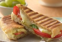 Panini Recipes to Make at Home / Love Panini sandwiches but not the price? Here are some great recipes we can make at home for half the cost!