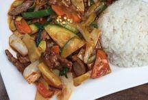 Köln: asiatisch essen / Du liebst Sushi oder bekommst einfach nicht genug von der vietnamesischen Küche? Hier findest du die besten Restaurants mit einer Küche aus Asien.