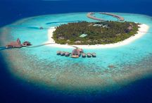 MALDIVES - Anantara Kihavah Maldives Villas / The tranquil Anantara Kihavah Maldives Villas are private and luxurious. They embody the true meaning of bliss, with the ocean at their doorstep and pristine white beaches all around!