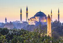 TURQUIA / Emoção das mil e uma noites, mergulho na história, Topkapi, as mesquitas, os bazares, passeios deslumbrantes, dias inesquecíveis, passeios de balão, paisagens de sonho da Capadócia, aventura, um brinde à esta terra tão linda ! Deixe-se levar pelas belezas da natureza, o mar Egeu, o mar turquesa... Turquia!  Prepare seu coração; sua viagem será inesquecível !