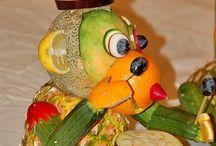 Edible Arrangements / Beautiful and fun ways to turn food into art.
