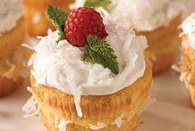 Cupcakes / by Helen Billingsley