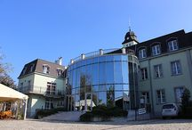 Hotel Kamila / Prvý boutique hotel na Slovensku, nájdete na okraji Bratislavy s výhľadom na Malé Karpaty v tesnej blízkosti prírodnej rezervácie Šúrsky prales.