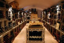 La Cantina / La cantina del Ristorante è fornita di oltre 900 referenze, tra vini nazionali e vini provenienti da altre nazioni.