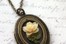 Jewls / Jewelery, hair accessories, diamonds, shells, chains, gems, rocks, flowers.