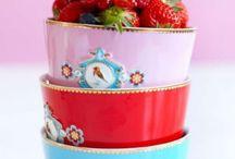 Vaisselle et porcelaine / Pour la table et la cuisine