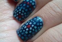 Dot / Polka Dot Nails