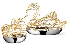 JEWELLERY BIRDS Jewellery boxes - Svenskt Tenn - 2014 / Design: Monica Förster Design Studio Creative Director: Monica Förster Team: Riccardo Paccaloni, Astrid Elander, Marine Hérisson Monica Förster's romantic side is evident in the bird sitting prettily over its glittering jewels. A product that fills the gap by taking care of the things we want to store with care and retrieve easily. The bird decorates the home and serves as storage at the same time. A personal cache to fall in love with.