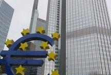 Frankfurt / Frankfurt; sanayi, fuar, ticaret, konferans, seminer, sergi ve sayısız organizasyonlara ev sahipliği yapan Almanya'nın gelişmiş şehirlerinin başında yer alırken, dünyaca ünlü fuar merkezi Messe'de burada.