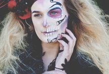 Dia de los Muertos / A photo shoot staged to capture the beauty and delicate look of the Mexican day of the dead combining beautiful colours, dresses and flowers.