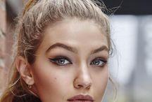 BEAUTY || Bold Make Up Looks / Eye-catching make up looks. Bold lipstick, smokey eye inspiration, bright make up ideas.