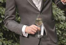 Hochzeit in Silber o. Grau / Elegantes Silber lässt sich hervorragend kombinieren - und eignet sich daher als tolle Farbe fürs Hochzeitsthema. Hier findet Ihr Inspiration.