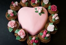 Elegant Cupcakes  / Delicious treats for everyone to enjoy :) / by KingsCross222