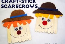 Fall Crafts for Kids / These easy fall crafts for kids are a fun way to get your kids into the season! Find Tips, Recipes, DIY Projects and more at PassionForSavings.com / by Passion For Savings