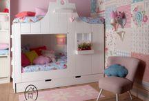 Make room for the girls next door / Nieuwe kamer voor eva en liza