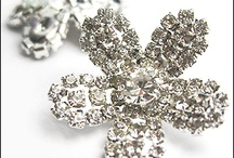 Diamanté / Get your rocks on with our extensive range of genuine crystal diamante.   Our HUGE diamante collection boasts a magnificent selection of colours, sizes and finishes. Sew-on, Hot-fix or Glue-on, we have the application to suit your project. We also have a specialist range of vintage Swarovski diamante stones too!   Make sure your your tool kit is stocked up with a handy bottle of Gem-Tac glue or a hot-fix wand, our professional crystal applicator, and away you go!