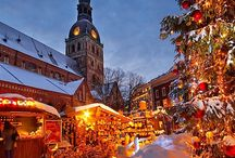 CHRISTMAS TOWNS DECORATED AROUND THE WORLD.. / Christmas in our country and around the world..pretty towns and trees decorated so gorgeous / by Eve Barna