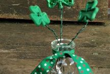 St. Patrick's Day / Tips on St. Patrick's Day decor, activities for kids, recipes, and games!