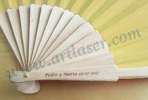 Abanicos / Abanicos de madera de bambú personalizados. Consulta nuestras tarifas sin ningún compromiso.