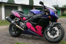 Kawasaki zxr 750,fzr 400,fzr1000,gsxr 750
