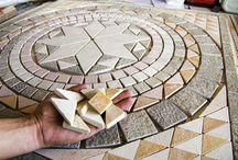 Mosaicos de Pedras Naturais / Lindos mosaicos decorativos para interiores e exteriores. Muitas idéias!