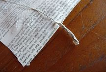 Hojas de libros rotos