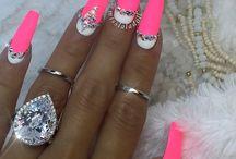 nechty ružové