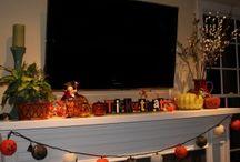 20 Halloween Candle Holder Mantel Ideas / 20 Halloween Candle Holder Mantel Ideas