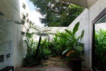 dinding taman luar