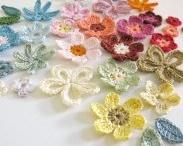 Flores de crochê - Crochet Flowers / Flores de crochê e dicas do que fazer com elas www.floresdecroche.com.br  Curta no FB: @clubedecrocheoficial Participa no FB: facebook.com/groups/crocheteirasdobem