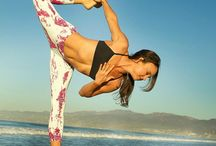 yoga apparel brands / These are our very favorite clothing lines for yoga!