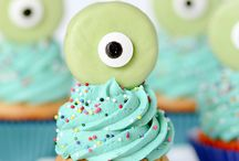 Cupcakes / by Sarah Wolsey {Crafting and Creativity}