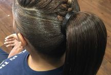 Ponytails / Ponytails look good for all occasions, be it a movie date, an outing with friends or a cocktail party, try and you'll feel the difference, also try different braids style to feel beautiful.
