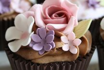 Cupcakes and minicakes - design only / This board focuses on decorating cupcakes, not onthe recipe