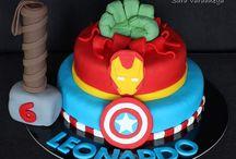 SuperHeroes / Torte con personaggi tratti dal mondo dei super eroi #cakedesign #cakedesignitalia #heroes #supereroi