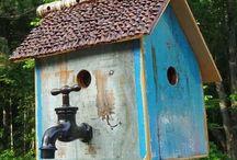 domčeky pre vtákov a krmítka
