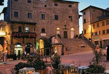 Arezzo / This tuscan city has a large number of museums and galleries dedicated to XX° century art. The Province of Arezzo includes the areas of Casentino, Valdarno, Valtiberina and Val di Chiana a mix of nature, historic heritage and art.