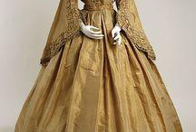 Antique/Vintage Dresses