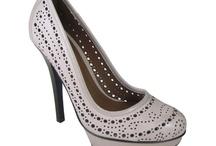 Sapatos / by Mayra Lima